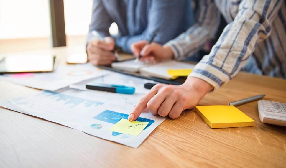 Cálculo de custos de projeto social: Saiba o que considerar antes de fazer o seu